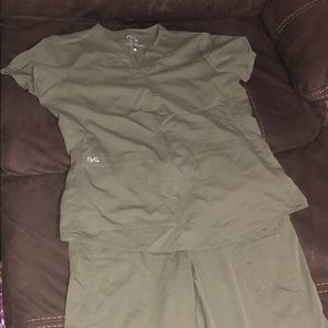 Women's Scrub Set; Olive Green